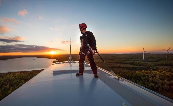 Windkraftanlage des US-Mischkonzerns General Electric: Konjunkturempfindliche Unternehmen und Sektoren werden sich bei Trumps geplanten steigenden Infrastrukturausgaben gut behaupten können