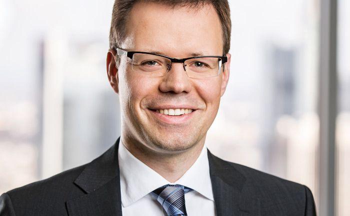 Ist assoziierter Partner bei der Wirtschaftskanzlei Flick Gocke Schaumburg: der Steuerberater und Diplom-Kaufmann Jan Bron