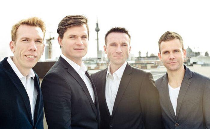 Die Gründer des Berliner Robo-Advisor-Anbieters Cashboard (v.l.): Robert Henker, Marius Schulze, Stephan Henker und André Holdschick