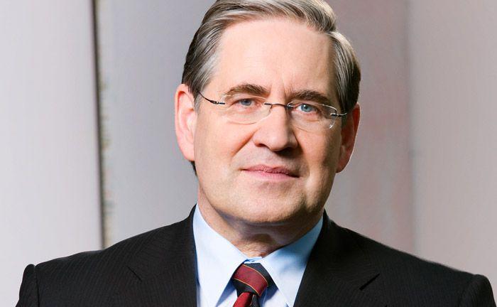 Wird der Sparkasse Köln-Bonn nur noch bis Ende 2017 zur Verfügung stehen: Vorstandsvorsitzender Artur Grzesiek