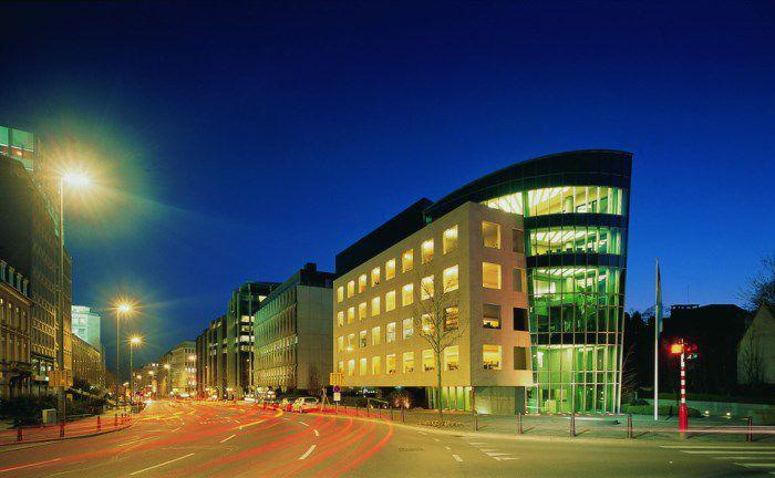 Der Boulevard Royal ist eine der Hauptverkehrsadern der Hauptstadt, und die Adresse vieler Finanzinstitute.