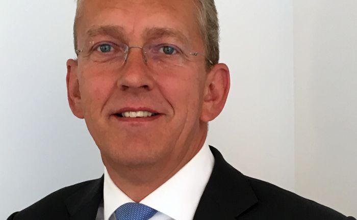 Wechselt nach seinem Ausscheiden bei Lampe AM als Geschäftsführer zum Vermögensverwalter Eichler & Mehlert