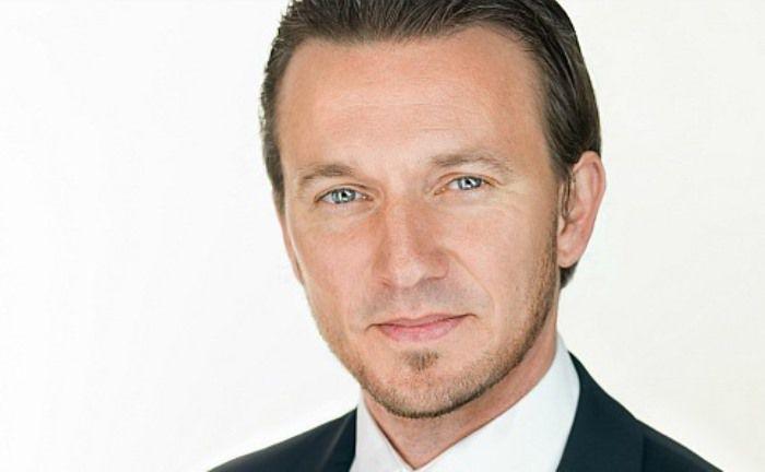 Gil Platteau besitzt mehr als 18 Jahre Erfahrung in der Finanzbranche