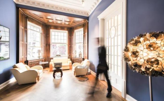 Beratungsraum des Bankhauses Lampe: Künftig betreut Florian Stolzenberg für das Institut Privatkunden und Unternehmer. |© Bankhaus Lampe