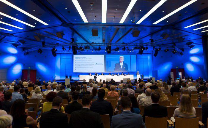 Aktionärsversammlung des Pharmakonzerns Stada: Inzwischen steigt die Zahl der Privatanleger wieder, die mit Kapitalmarktprodukten Vermögen aufbauen und für das Alter vorsorgen wollen|© Stada