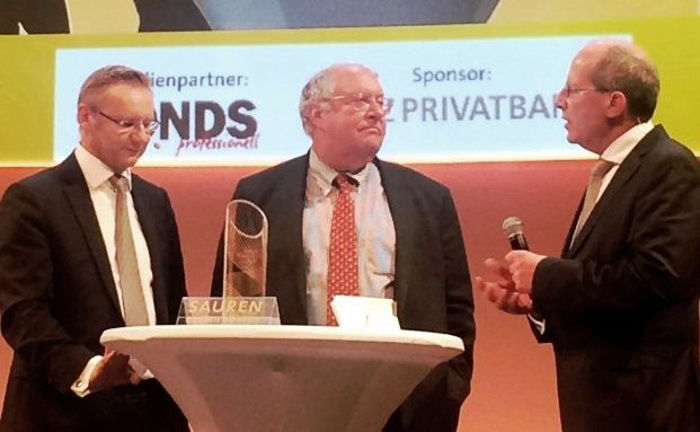 Erhielt den Sauren Golden Award 2015 in der Kategorie Aktien USA: Bill Miller (M.) von Legg Mason Global Asset Management.