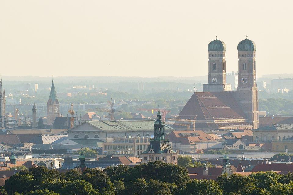 Trendbarometer von Berlin Hyp: Mehrheit rechnet mit einem Abschwung am deutschen Immobilienmarkt