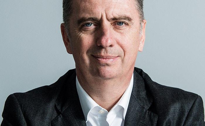 Nicolas Moreau wandte sich per Schreiben an seine Mitarbeiter: Der Deutsche-AM-Chef verkündete die Übernahme der Research-Kosten auf Fondsebene nach Inkraftreten von Mifid II.
