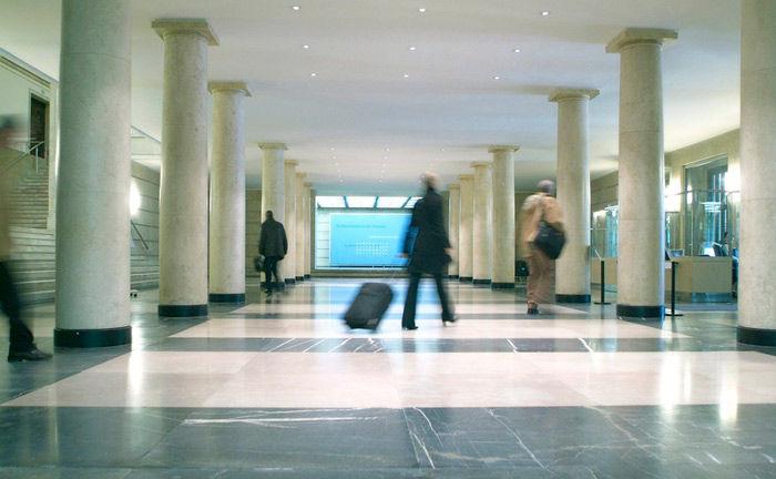 Das Detlev-Rohwedder-Haus ist Sitz des Bundesministeriums der Finanzen: Auf die Frage nach Umsatzsteuer auf Provisionen gab die Behörde nun eine Antwort.
