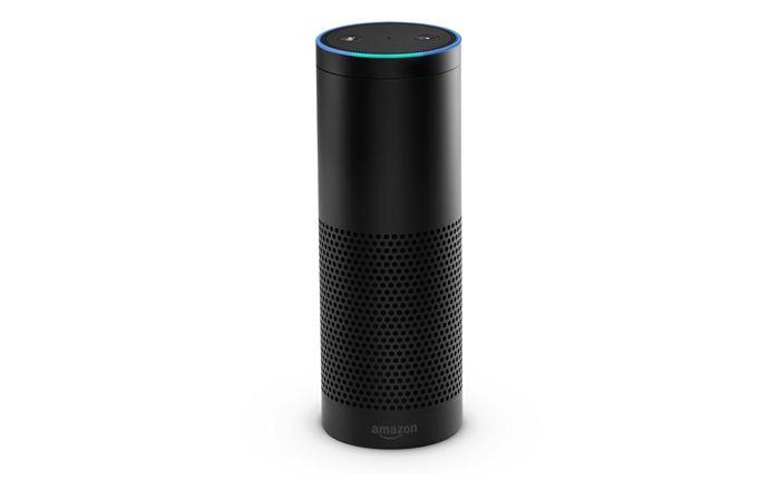 Amazon Echo: Über den Empfänger hört der digitale Sprachassistent Alexa aufs Wort.