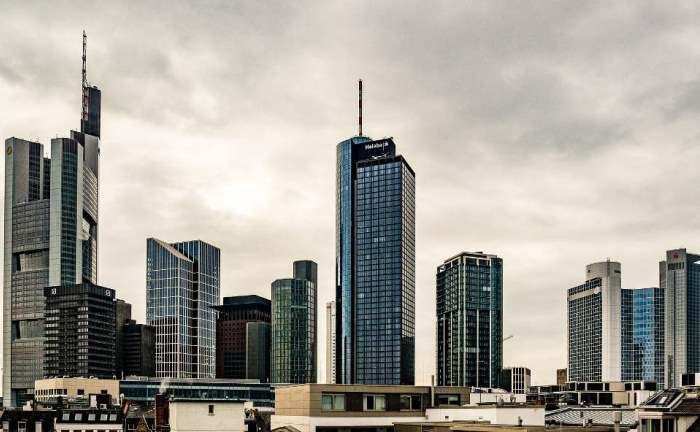 Skyline in Frankfurt: Die Bankenstadt hat im aktuellen Ranking einen Platz aufgeholt.