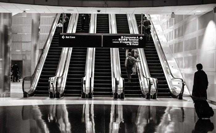 Rolltreppen in einem Einkaufszentrum: Für Vermögensverwalter gilt es im Zuge der Digitalisierung verschiedene Wege zu bestreiten. Anregungen können sie sich dabei in anderen Branchen holen.|© Pixabay