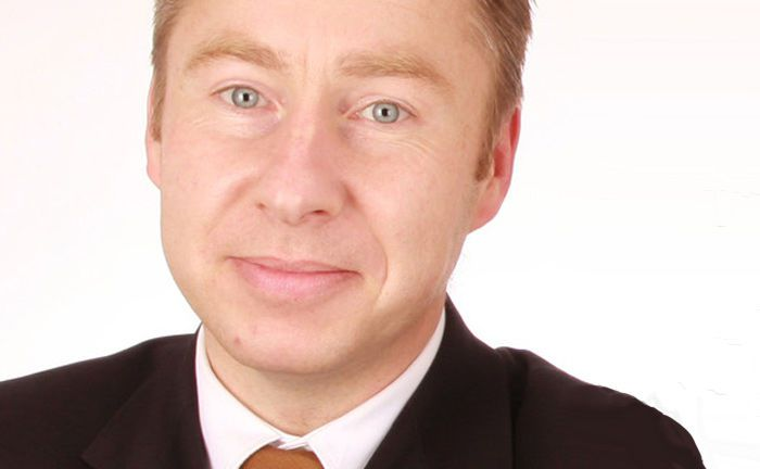 Hat in der Funktion als globaler Leiter Sachwerte die Aufgabe, das Geschäftsfeld der LRI Group weiterzuentwickeln: Bastian Dittrich.|© LRI Group
