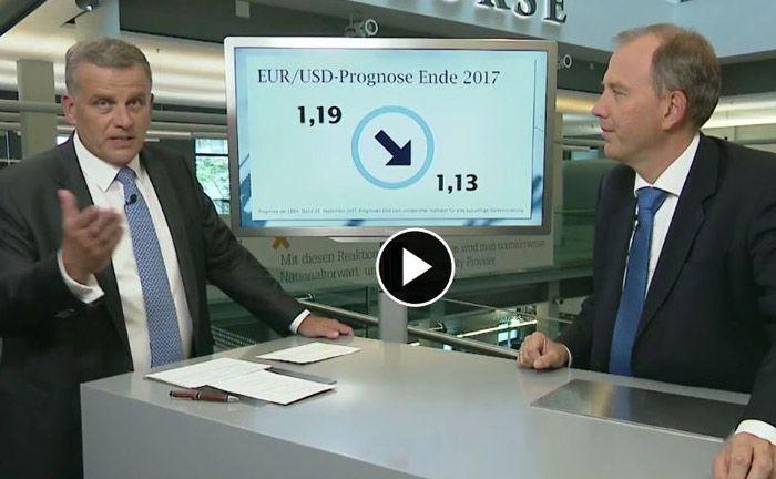 Thomas Rosenfeld (l.), Vorstand der BW-Bank, stellt Fragen zu den Kapitalmärkten an LBBW-Chefvolkswirt Uwe Burkert.