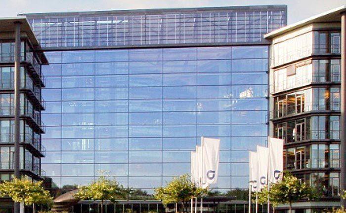 Zentrale der Apobank in Düsseldorf: Statt mit dem Anbieter der genossenschaftlichen Verbundgruppe arbeitet das Institut künftig wohl mit dem Schweizer Banking-Software-Anbieter Avaloq zusammen.