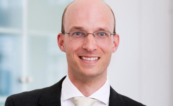 Helge Schubert: Der Rechtsanwalt, Steuerberater sowie Fachanwalt für Steuerrecht erklärt, was Steuerzahler im Zuge des automatischen Informationsaustauschs erwartet. |© Rose & Partner