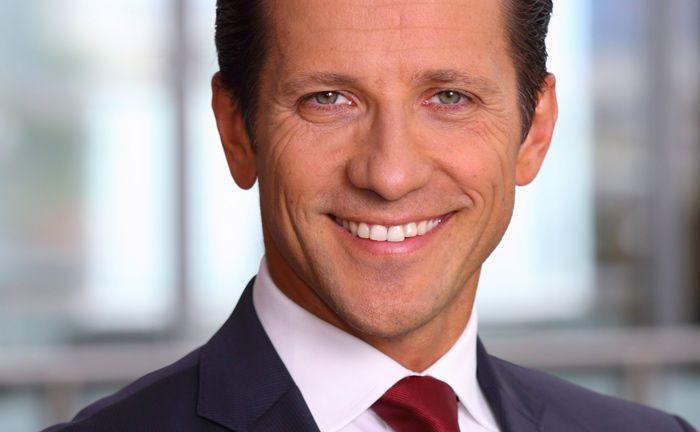Neu bei Blackrock, davor Berenberg Bank: Peter Reichel soll helfen, das Multi-Asset-Geschäft des US-Vermögensverwalters in Deutschland auszubauen.