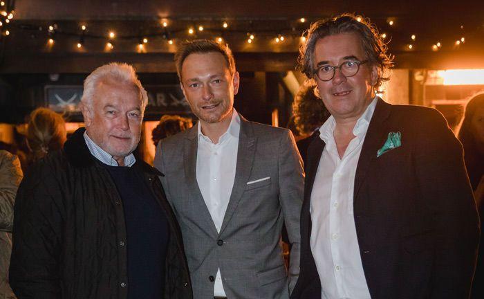 Die FPD-Parteispitze um Wolfgang Kubicki (l.) und Christian Lindner (Mitte) mit Veranstalter Jens Spudy.
