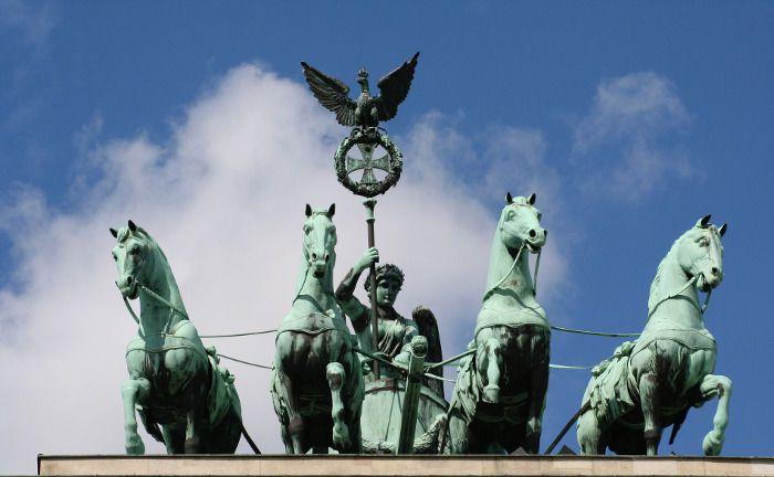 Das Brandenburger Tor in Berlin: Dr. Lübke & Kelber hat die Wohnimmobilienmärkte aller 96 Stadtteile der Hauptstadt analysiert.