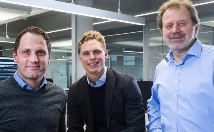 Die Gründer von Scalable Capital (v.l.n.r.): Florian Prucker, Erik Podzuweit und Stefan Mittnik. Die Altersstruktur beim digitalen Vermögensverwalter steigt parallel zum verwalteten Vermögen.|© Scalable Capital