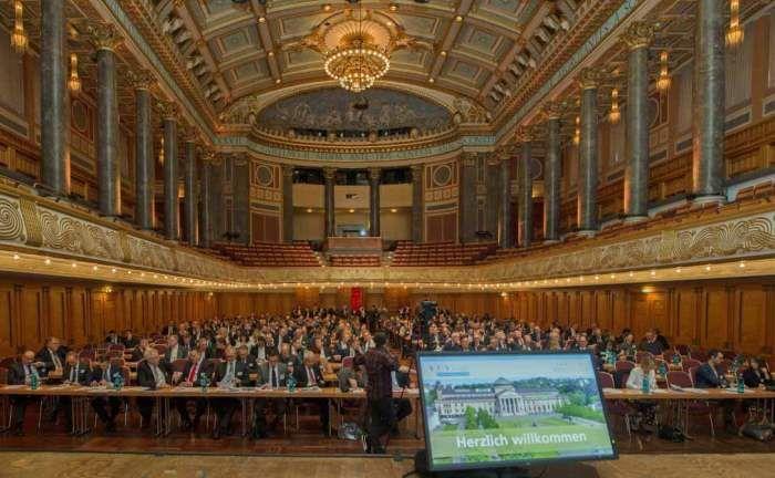 Der 17. Deutsche Vermögensverwaltertag 2017 im Kurhaus Wiesbaden: Der VuV besteht seit mittlerweile 20 Jahren. |© Jens Braune del Angel