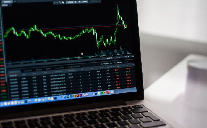 Aktienkurs: Für die fünf neuen Faktor-Indexfonds werden jeweils 50 von 675 Aktien ausgewählt.|© Negative Space