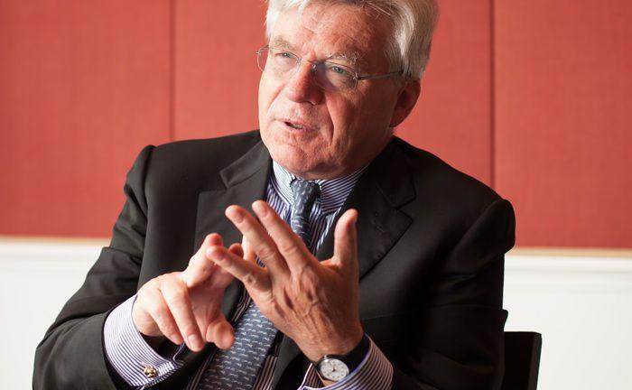 Stephan Schüller ist noch bis Ende März 2018 Sprecher der persönlich haftenden Gesellschafter der Bankhaus Lampe. Dann scheidet er nach 12 Jahren an der Spitze des Instituts planmäßig aus.