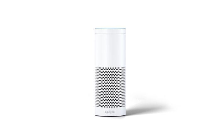 Amazons Alexa: Noch ergänzen digitale Sprachassistenten die persönliche Beratung, könnten sie aber langfristig durchaus ersetzen.