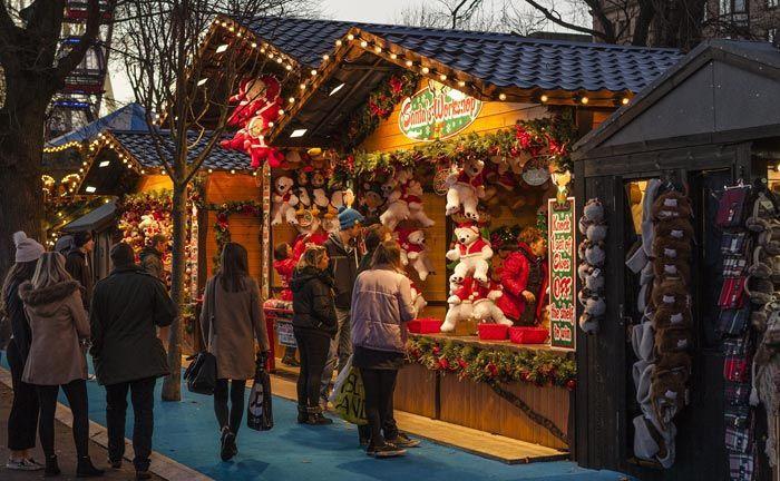 Mit den Kollegen ein gemütliche Runde über den Weihnachtsmarkt: Bei Investmentbanken, vor allem in London, ging es Anfang des Jahrtausends auf der weihnachtlichen Firmenfeier hoch her.