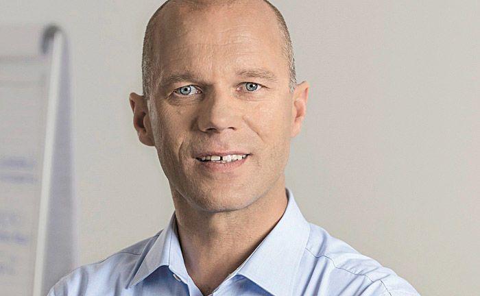 """Dirk Stoess, Gründer und Geschäftsführer der Beratungsfirma Cormens: """"Es braucht eine Kombination aus Mut zu einem neuen Selbstverständnis und hinreichender Präzision beim Herausarbeiten der unternehmerischen Themen."""""""