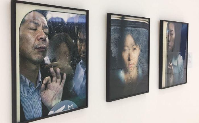 Impression der Ausstellung: Der Prix Pictet nutzt die Kraft der Fotografie, um die Aufmerksamkeit weltweit auf Nachhaltigkeitsthemen zu lenken.