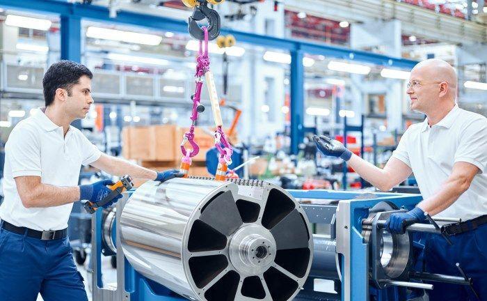 Montage einer Bogenoffset-Druckmaschine bei König & Bauer in Würzburg: Der im S-Dax notierte Mittelständler erzielte ein Kursplus von knapp 400 Prozent in drei Jahren.