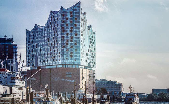 Die Elbphilharmonie, neues Wahrzeichen von Hamburg und dem Norden: Hier sucht ein Single Family Office einen Leiter Unternehmensbeteiligungen.