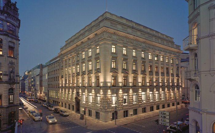 Zentrale der Hamburger Privatbank M.M. Warburg & Co: Neben Geschäfträumen durchsuchte die Kölner Staatsanwaltschaft auch Privaträume der Gesellschafter der Hamburger Privatbank.|© M.M.Warburg & Co