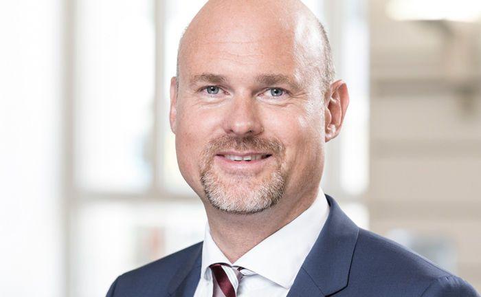 Christian Jasperneite ist Investmentchef der Hamburger Privatbank M.M. Warburg & Co. Seiner Ansicht nach ist digitale Vermögensverwaltung auch für Stiftungen und bestimmte Unternehmen ein spannendes Thema.