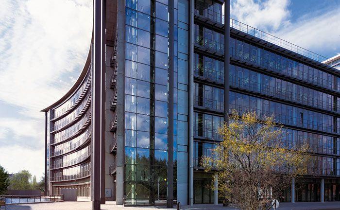 Düsseldorfer Zentrale der Deutschen Apotheker- und Ärztebank: Über eine eigene Marke will die Bank der Ärzte und Apotheker präsenter mit ihren Vermögensdienstleistungen am Markt auftreten.|© Apobank