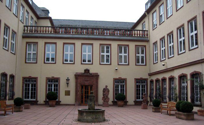 Bethmannhof: Am Noch-Stammsitz der Bethmann Bank kommt es zu einem Personalwechsel im Vorstand.