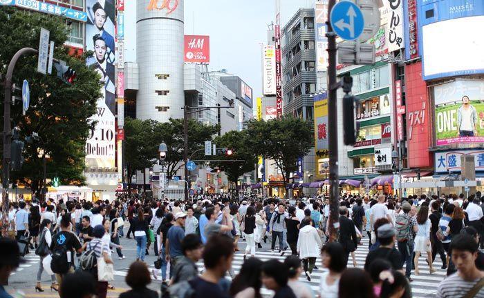 Viel los auf Tokyos Straßen: In der japanischen Hauptstadt lässt es sich gut leben, weil es trotz der Menschenmassen ruhig und geordnet zugeht an den Kreuzungen.|© Pixabay