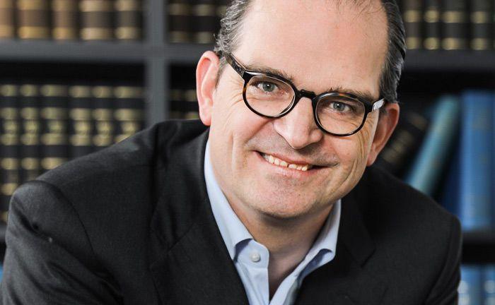 Dr. Maximilian Werkmüller unterrichtet künftig als Professor an der Allensbach Hochschule, unter anderem zum Thema Family-Office-Management.|© IDW - Informationsdienst Wissenschaft