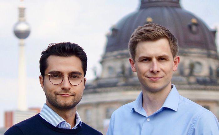 Kurosch Daniel Habibi (l.) und Pascal Stichler sind Gründer und Geschäftsführer von Carl, einer Plattform für mittelständische Unternehmensverkäufe.