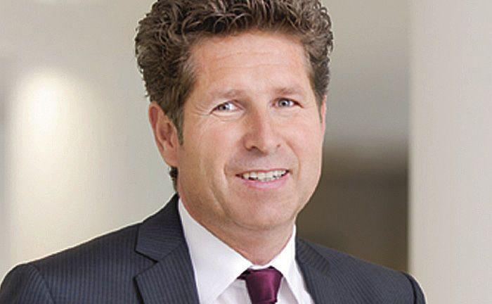 Gabriel von Canal, Leiter Vertrieb der AAB, will Berater mit dem Produkt auch regulatorisch bedingten Aufwand abnehmen.