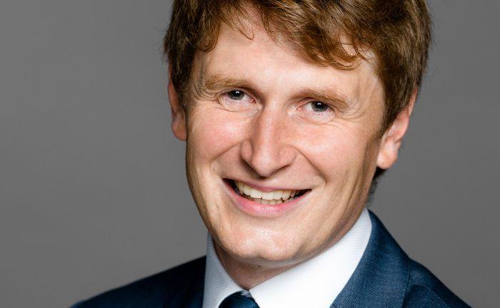 Adrien Dumas: Der Aktienexperte wird künftig den Fonds Mandarine Active (ISIN: FR0011352178) verantworten und Co-Manager des Fonds Mandarine Opportunités (FR0010659797).
