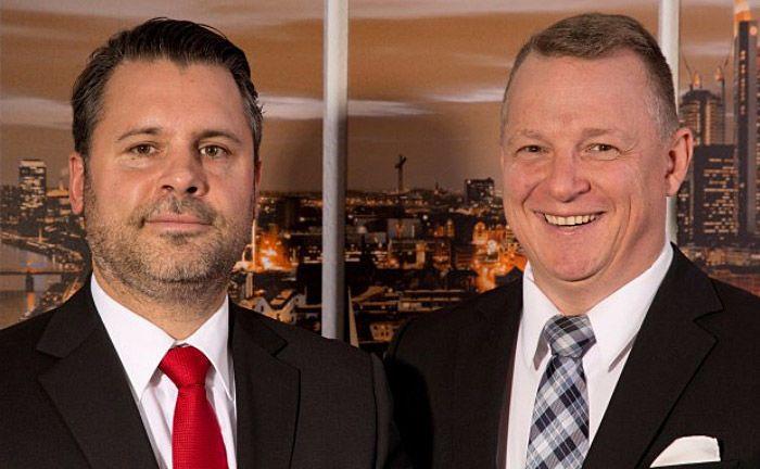 """Markus Jesberger (links) und Thomas Segura: """"Niedrige Zinsen in einem nahezu inflationsfreien Umfeld bei geringen Rohstoffkosten schienen kein Märchen zu sein""""."""