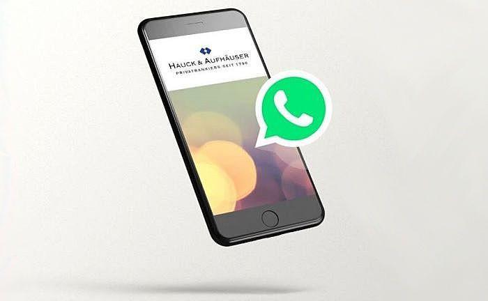 Whatsapp-Service: Etwa dreimal pro Woche bekommen Interessierte Neuigkeiten direkt aufs Smartphone. |© Hauck & Aufhäuser