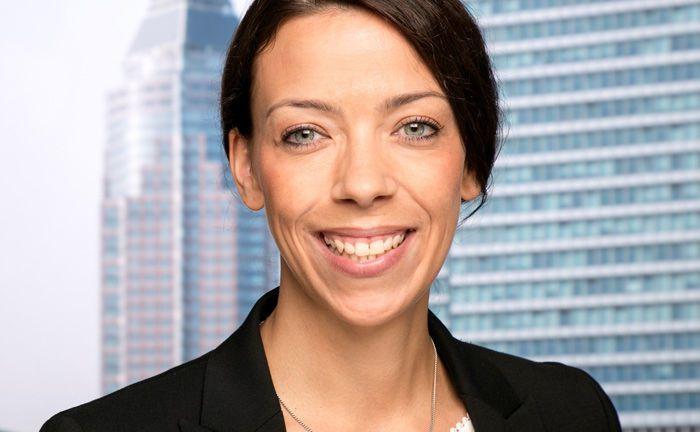Tina Szymanski verfügt über zehn Jahre Erfahrung im Bereich Kapitalanlage der Ärzteversorgung Niedersachsen. Nun hat sie sich dem institutionellen Vertrieb Universal-Investment angeschlossen.|© Universal-Investment