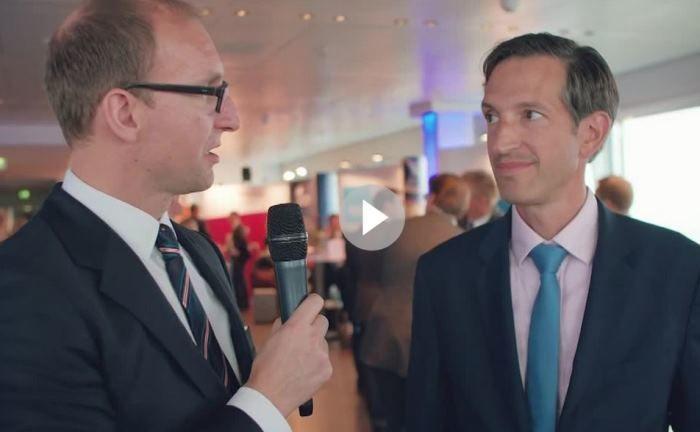 Marc Homsy (rechts), Danske Invest, im Gespräch mit Helge Rehbein, Multiasset.com|© Screenshot, private banking magazin