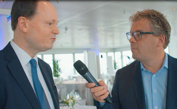 Marc-Alexander Knieß, Senior Portfolio Manager bei Lupus Alpha, auf dem Hamburger private banking kongress im Gespräch mit Malte Dreher, Herausgeber des private banking magazin.