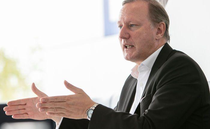 Wolfgang Krappe ist seit Januar 2007 Vorstand der Capitell Vermögens-Management und dort für Marketing, Akquisition, Beratung und Personal zuständig.|© Johannes Vogt