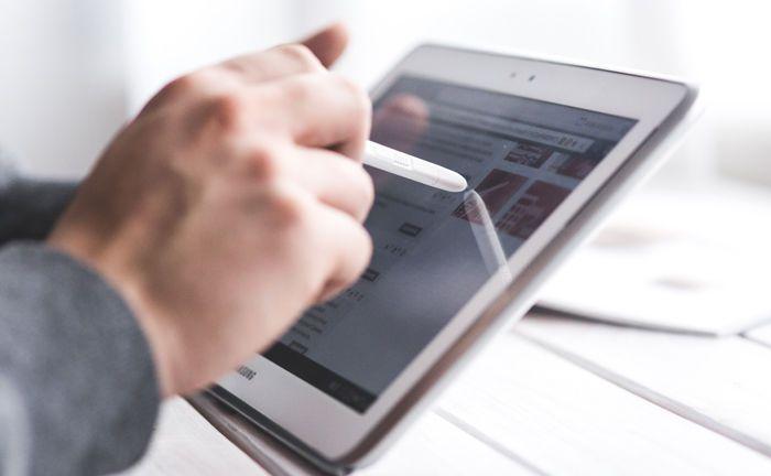 Digitale Vermögensverwaltung war auf dem Vormarsch, jetzt hat sich die Eurphorie um die hiesige Robo-Advice-Anbieter gelegt.|© Pexels