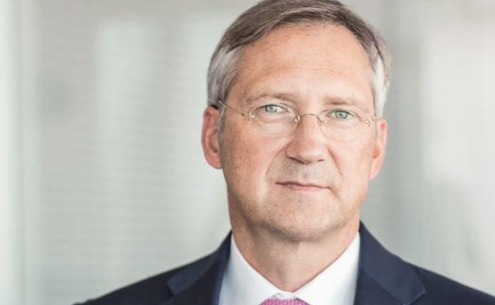 Ein großer Betrag für zehn Jahre in eine Anlageklasse? Bert Flossbach würde in Aktien nachhaltiger Unternehmen mit unternehmerisch denkendem Management investieren.|© Flossbach von Storch